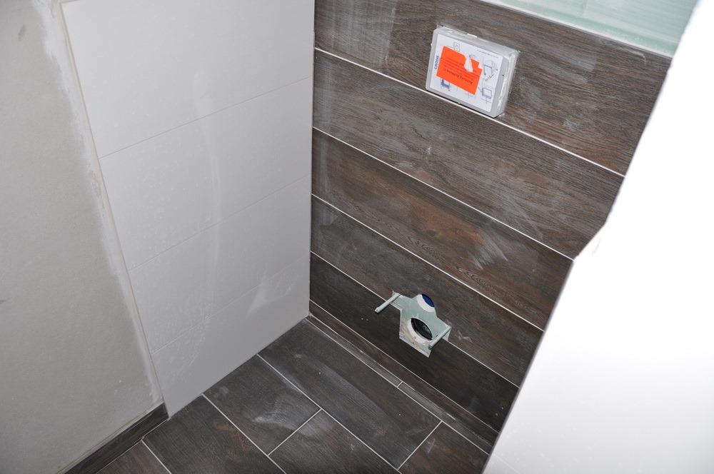 fliesen sind fertig elektro fast baublog b denbender. Black Bedroom Furniture Sets. Home Design Ideas